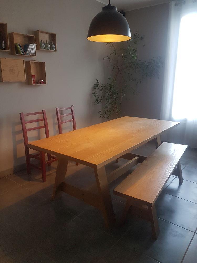 Table de salle à manger HABITAT 250 Nice (06)