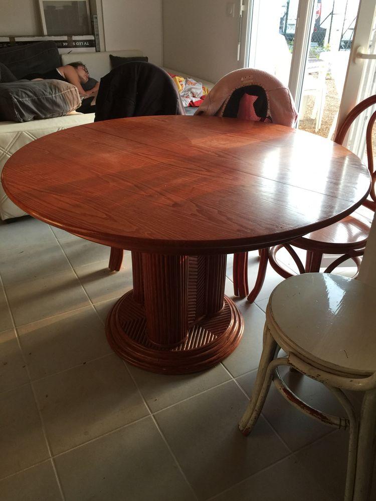 Table salle a manger  60 Draguignan (83)
