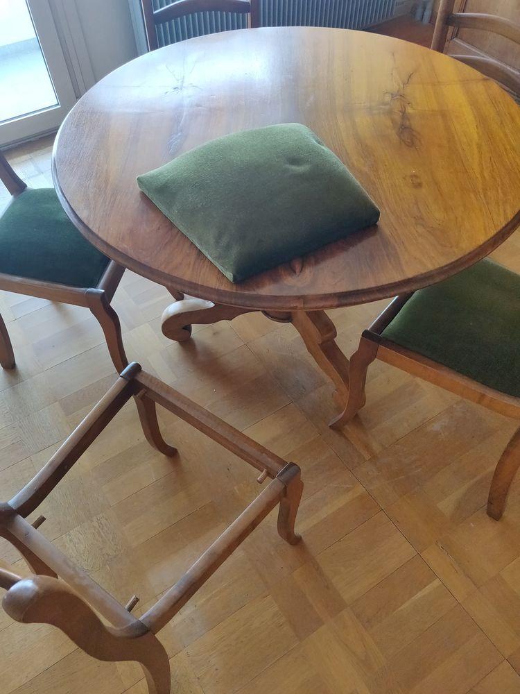 Table de salle à manger+ chaises Meubles