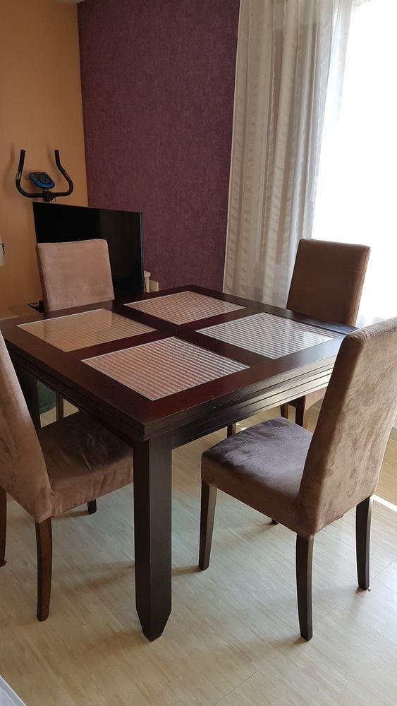Table salle à manger et 4 chaises 300 Marcoussis (91)