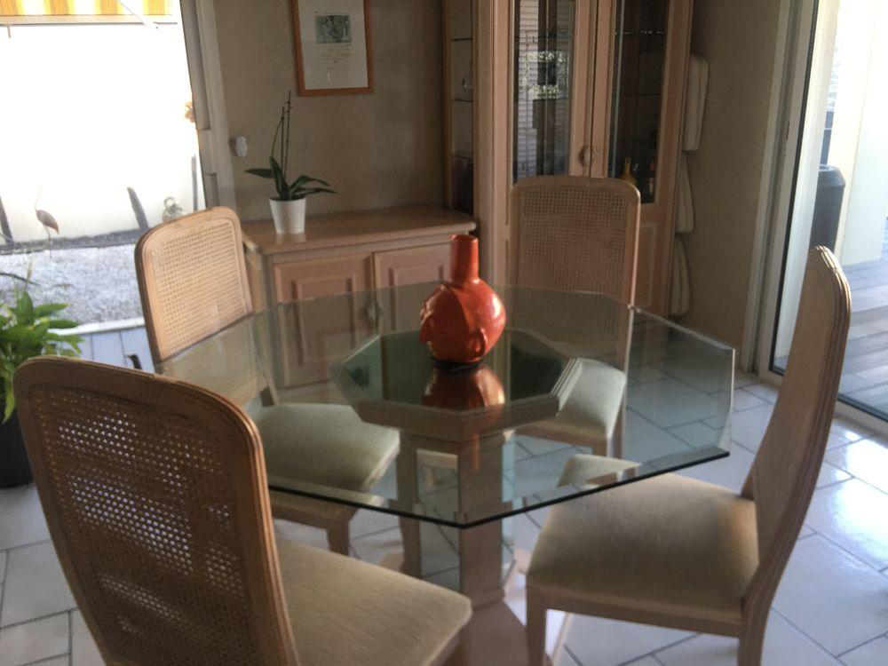 Table salle à manger 250 Bordeaux (33)