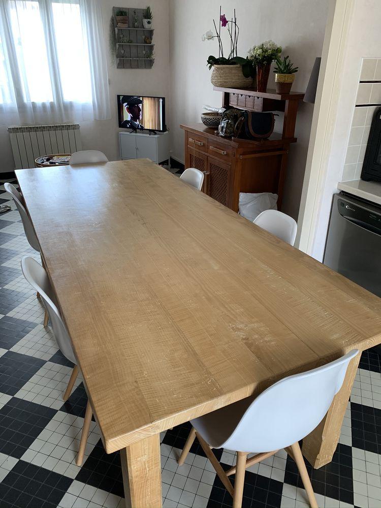 Table salle à manger Bois massif  570 Cholet (49)