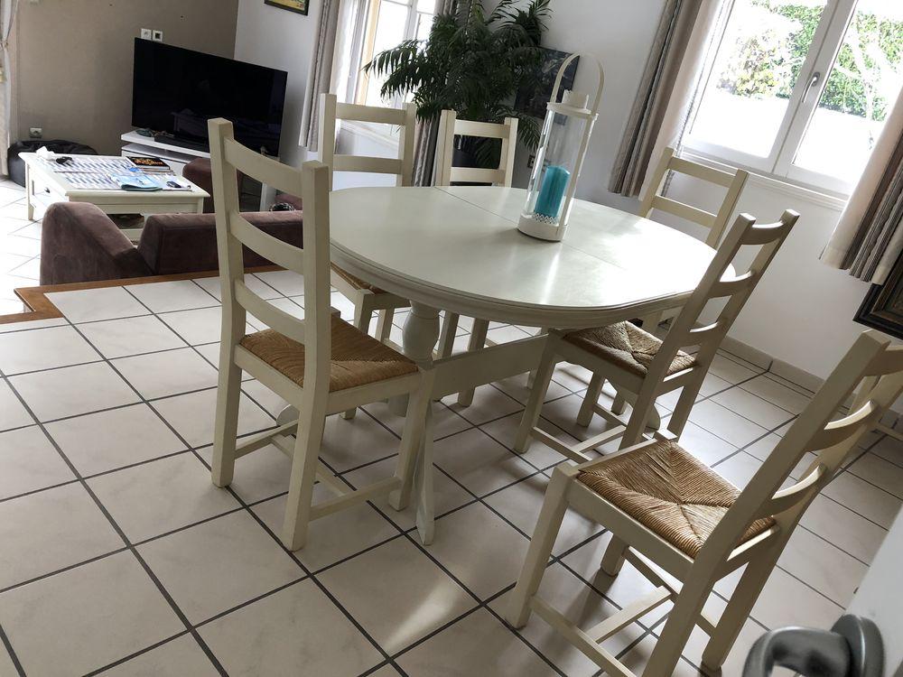 Table de salle à manger avec chaises 400 Saint-Jorioz (74)