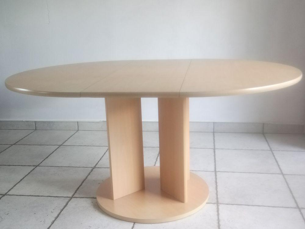 Table salle à manger  50 Les Ponts-de-Cé (49)