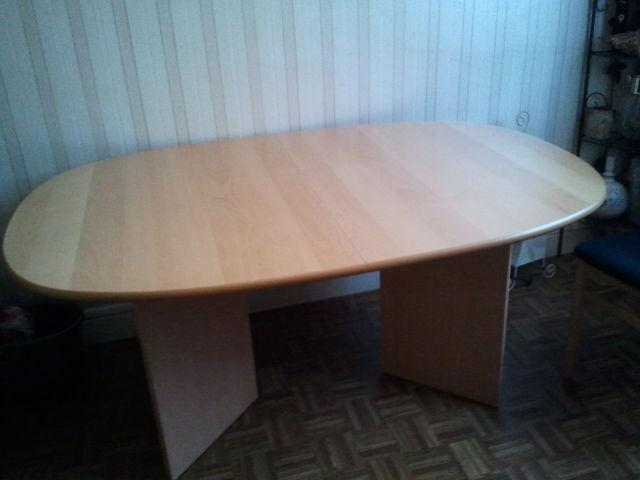 Table de salle à manger et 4 chaises 150 Les Tourrettes (26)