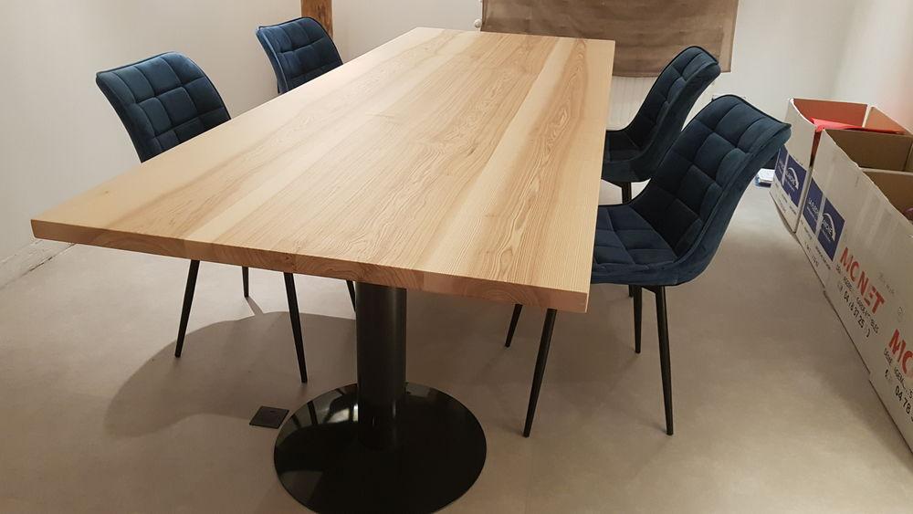 Table salle à manger design neuve en bois massif  950 Massieux (01)