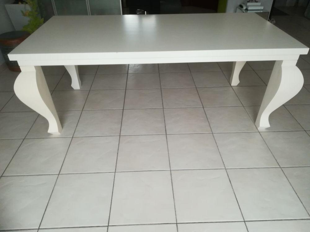 Table de salle à manger design 200 Saint-Denis-de-Pile (33)