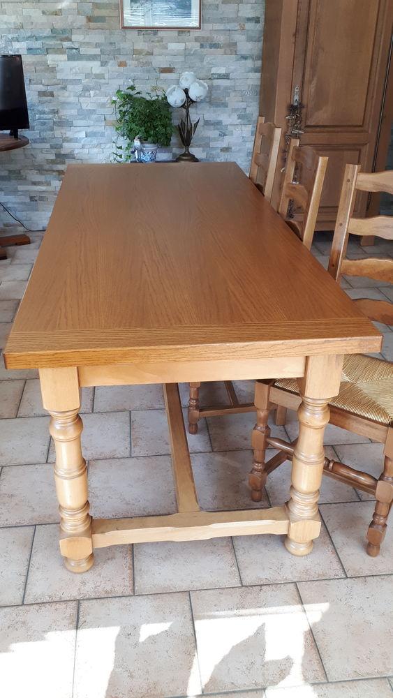 table de salle à manger + 6 chaises   200 Renauvoid (88)