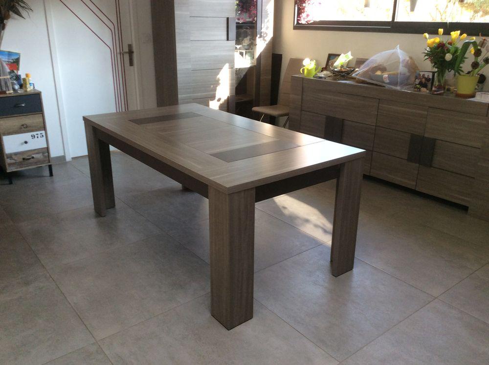 table de salle à manger de 180/90 avec 2 allonges de 40 120 Saint-Nazaire (44)