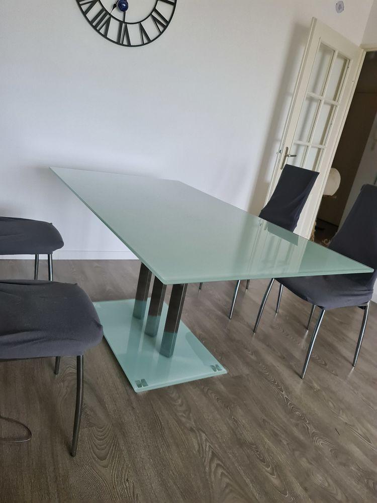 TABLE SALLE À MANGER EN VERRE  85 Toulouse (31)