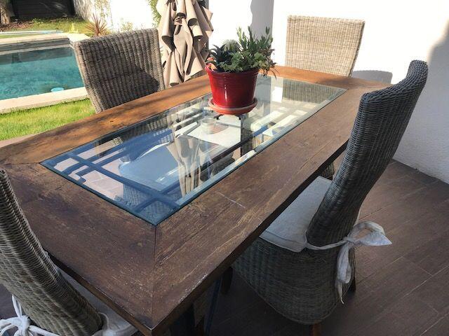 Table de salle à manger avec ses chaises 800 Lamothe-Montravel (24)