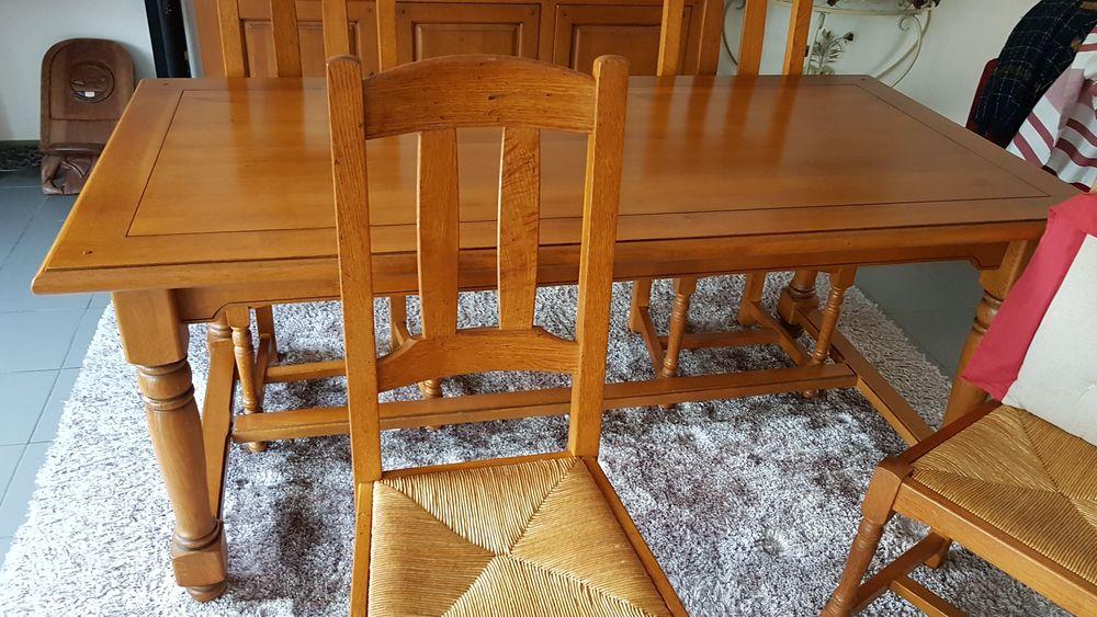 Table salle à manger + 6chaises  500 Aix (59)