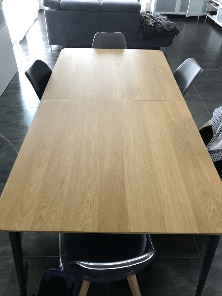 Table salle à manger  500 Sainte-Foy-de-Peyrolières (31)