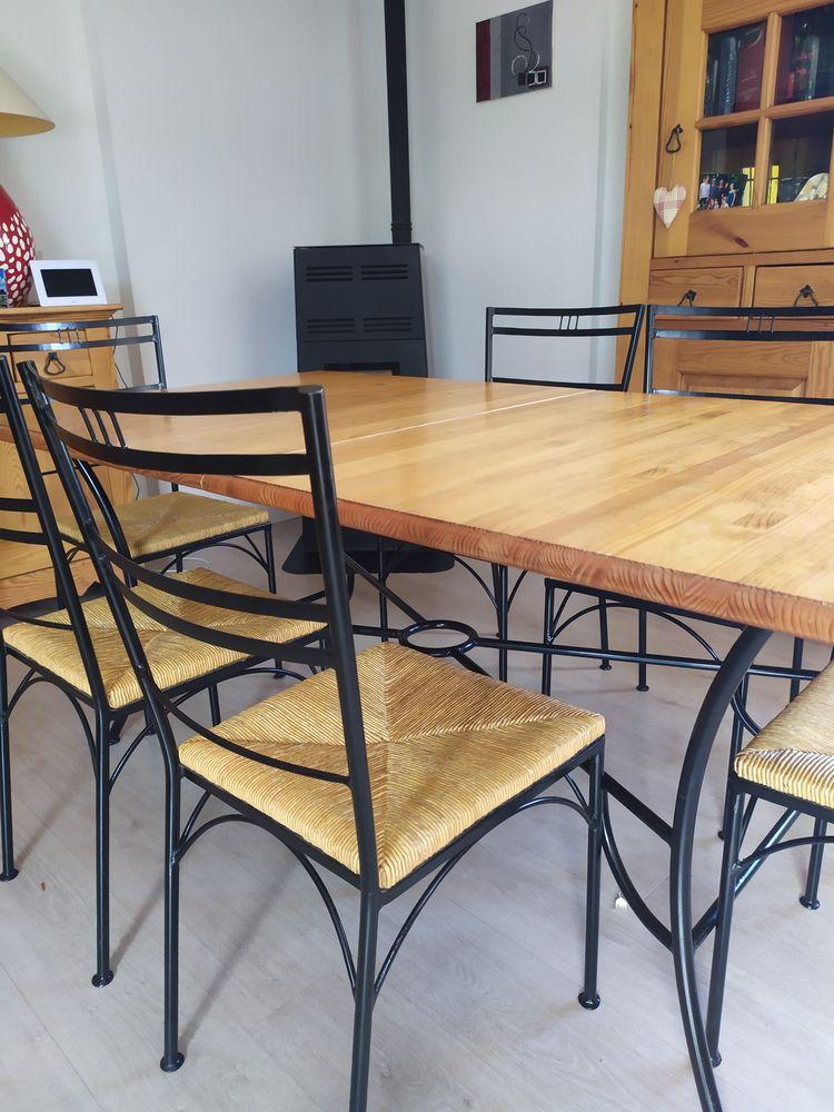 Table salle à manger bois & fer forgé avec ses 6 chaises 300 Varces-Allières-et-Risset (38)