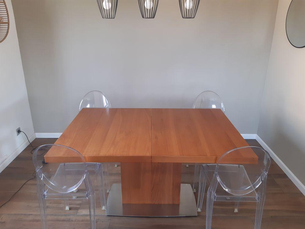 Table salle à manger 0 Fréjus (83)