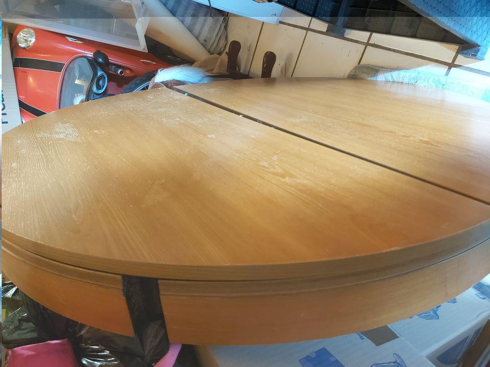 Table de salle à manger  Diamètre de 115 cm 30 Morsang-sur-Orge (91)