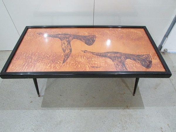Table de salon des années 70, Hugues Poignant Meubles