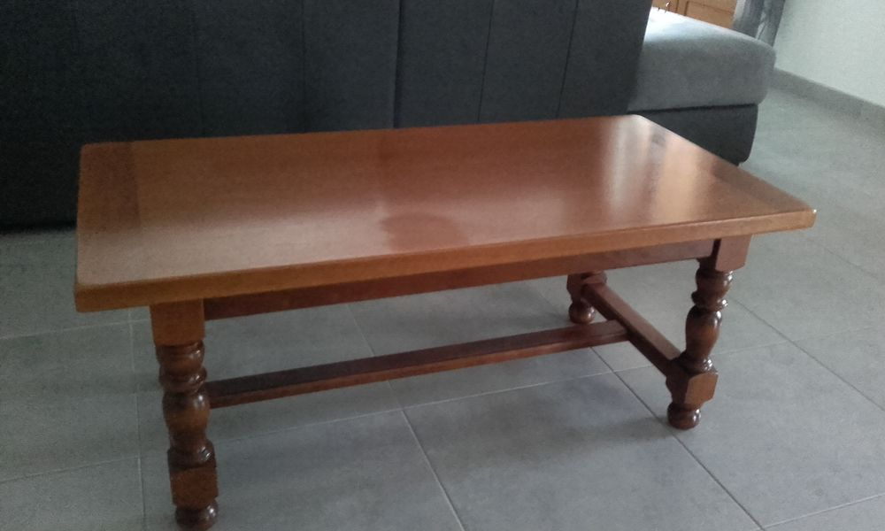 Table de salon en bois massif 49 Limoux (11)