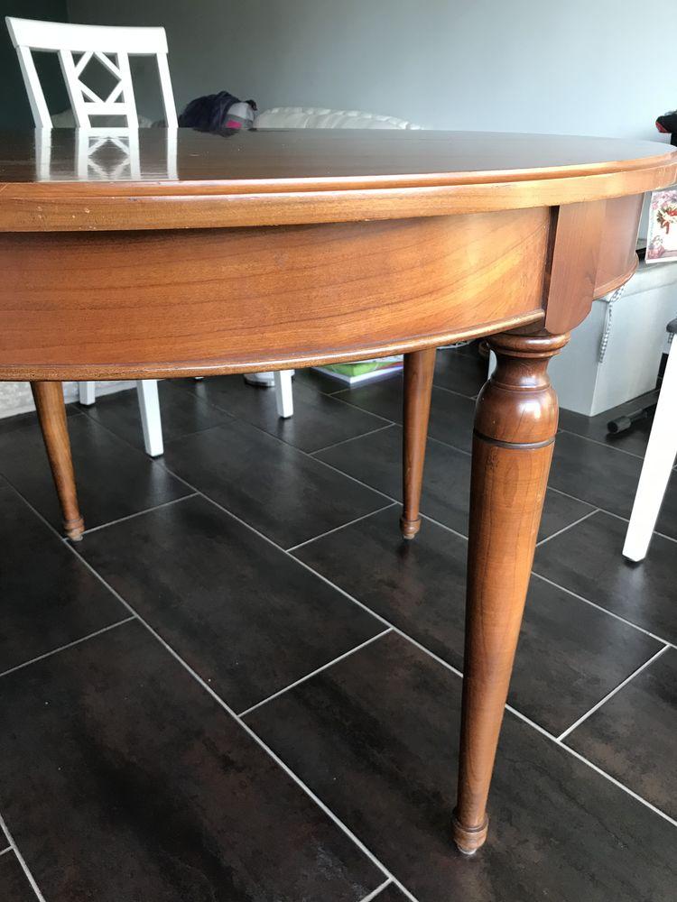 Table de salon en bois avec deux rallonges  150 Écouen (95)