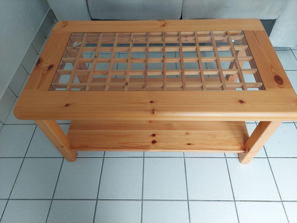 Table de salon en pin dessus verre état neuf  40 La Turballe (44)