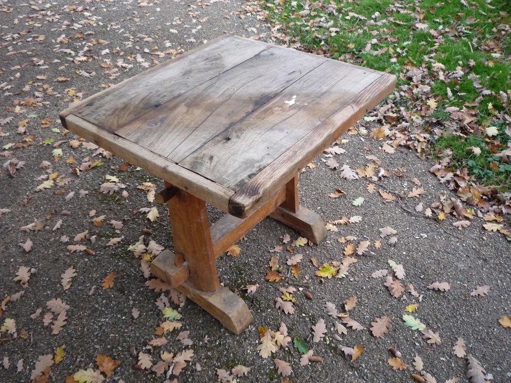 Table salon/jardin 63cm x58cm h 58cm 45 Castres (81)