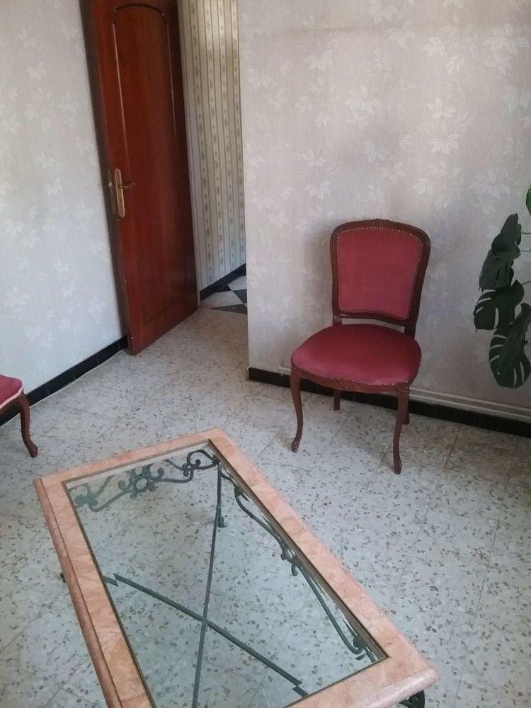 table de salon une en marbre verre très bon état  55 Uchaud (30)