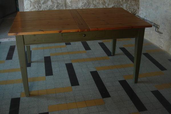table de salon en pin 100 Chantonnay (85)