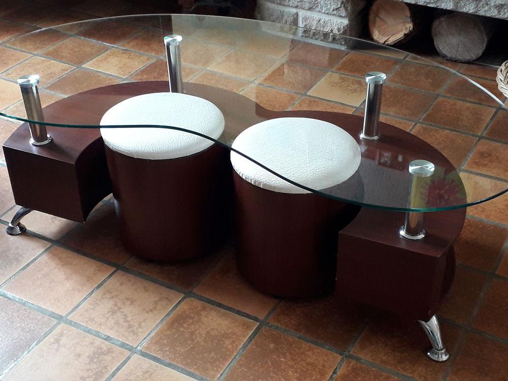 Table de salon. 0 Saint-Sulpice-de-Pommeray (41)
