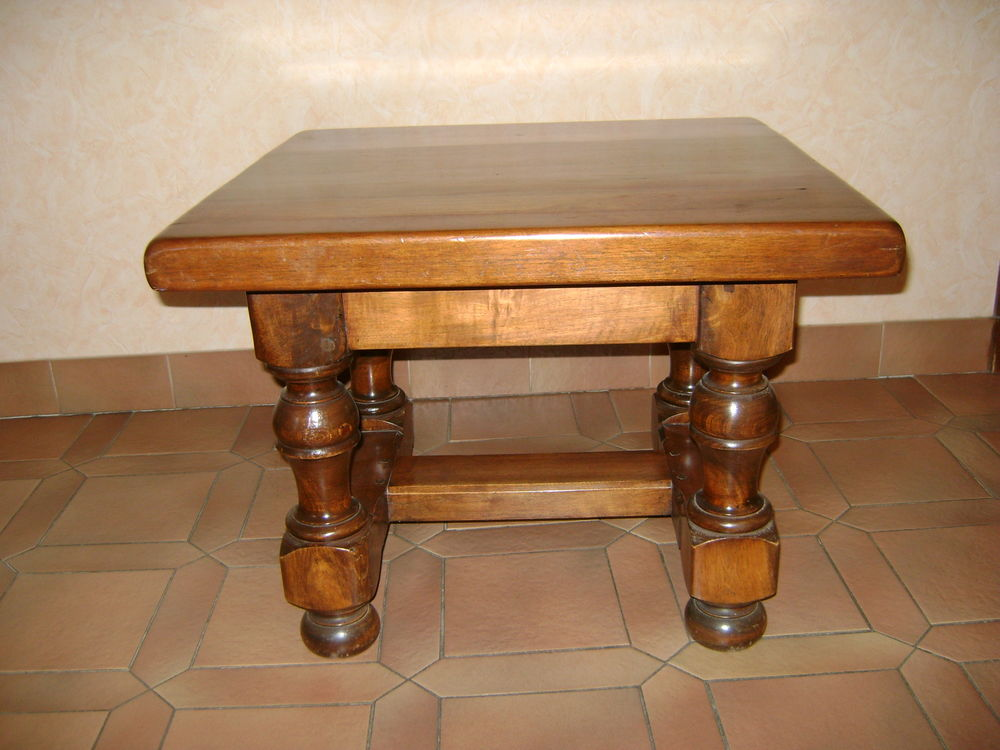 table de salon 50 Bourg-Saint-Andéol (07)