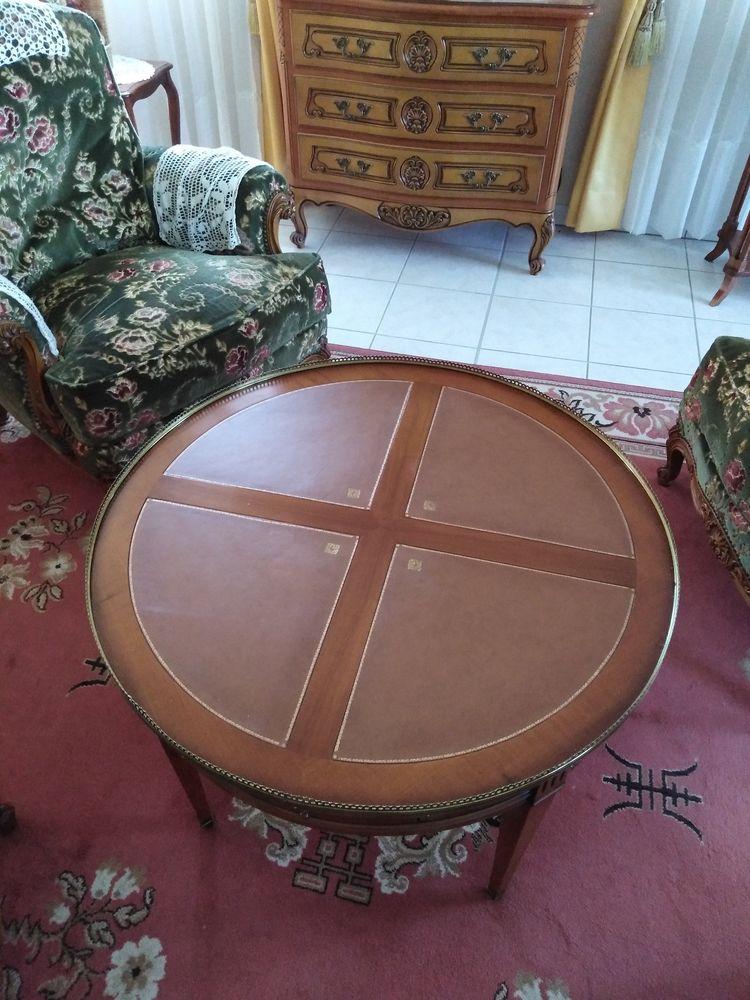TABLE DE SALON  700 Puy-Guillaume (63)