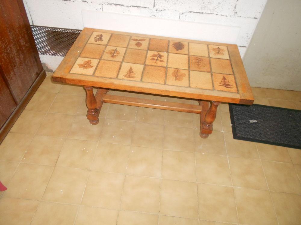 table de salon 250 Mions (69)