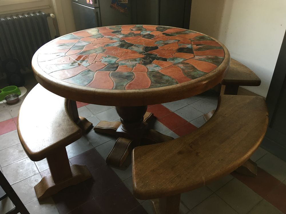 table signée barrois et ses 3 bancs 200 La Mulatière (69)