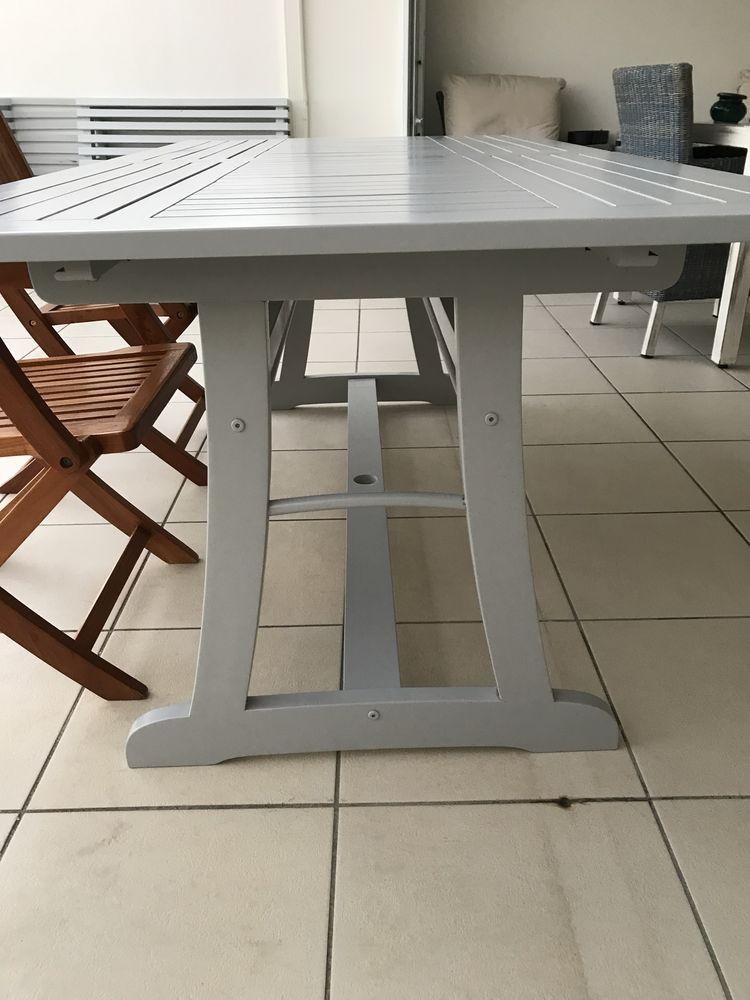 table en teck  gris perle peinture four 460 Schœlcher (97)