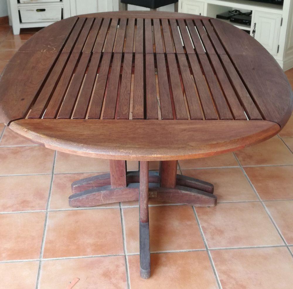 Table teck 200 Saint-Paul-en-Forêt (83)