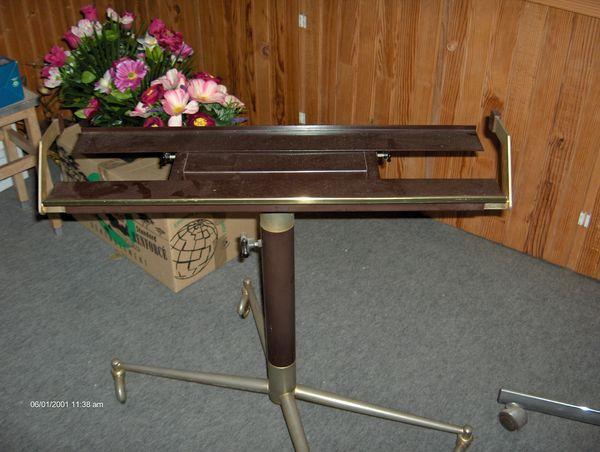 table de télévision en acier sur roulettes 3 Cormeilles-en-Parisis (95)