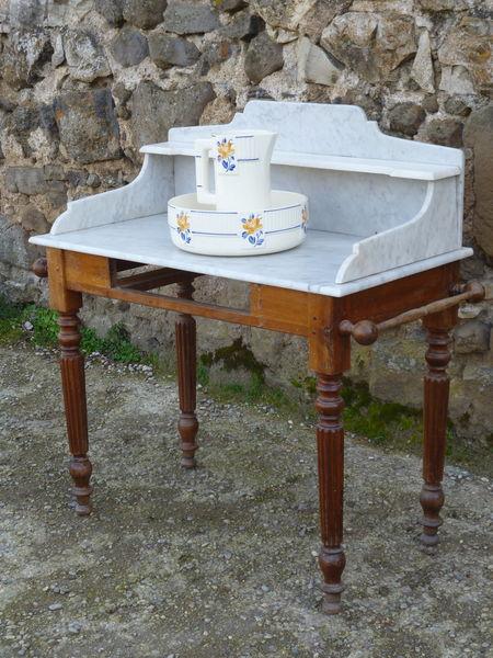 Table de toilette ancienne 130 Privas (07)