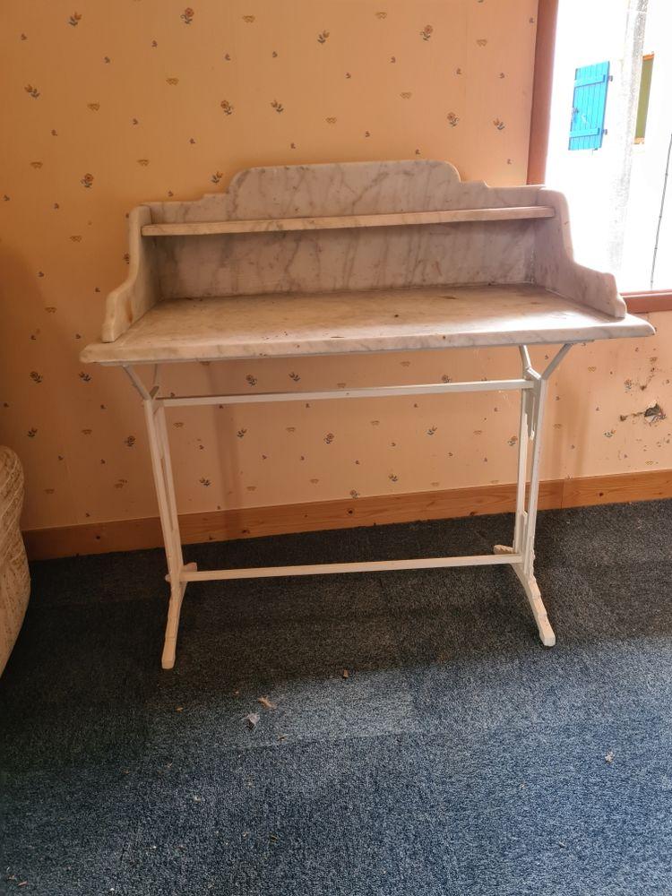 table de toilette marbre Meubles