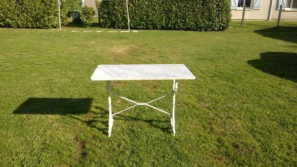 table bis trot plus deux chaises 0 Saint-Savin (33)