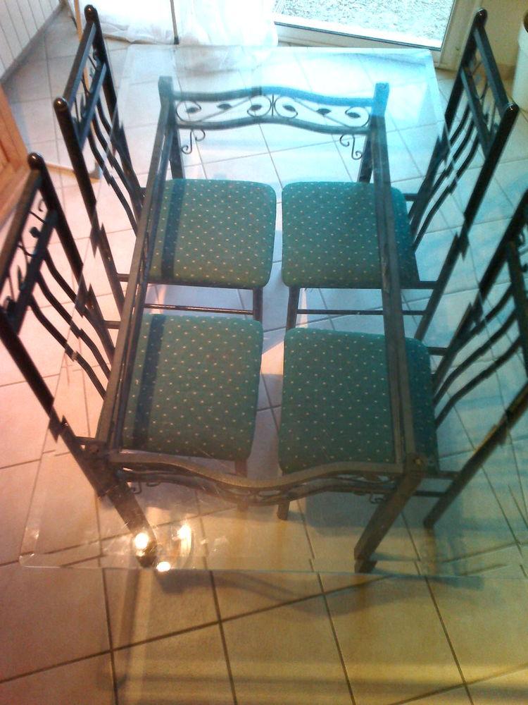 table en verre + les 4 chaises 80 Pradelles-en-Val (11)