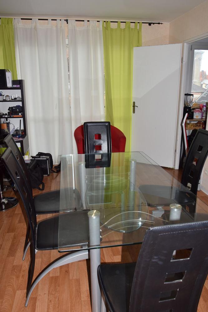 table en verre et chaises 250 Tourcoing (59)