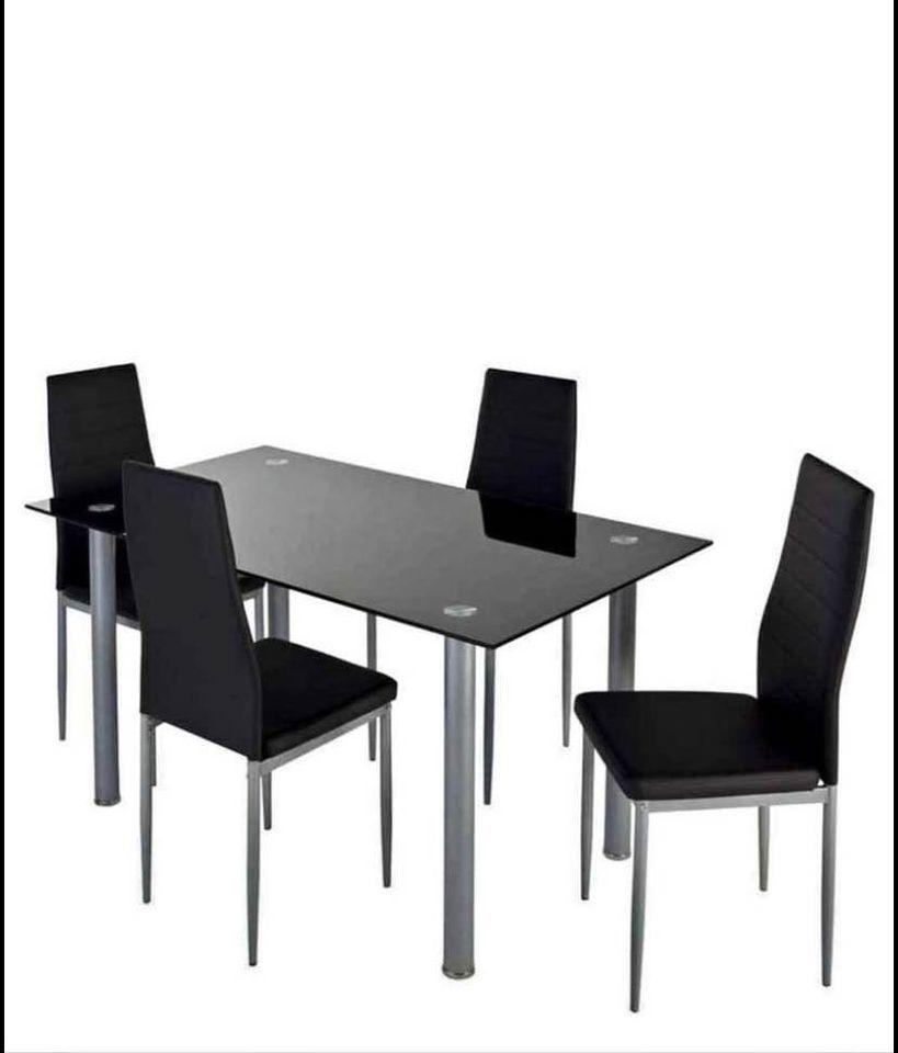 Table en verre + 4 chaises et nappe effet marbre  0 Isbergues (62)