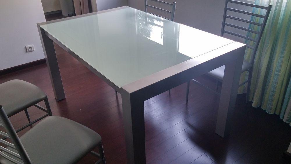 Table en verre extensible 150 Saint-Julien-en-Genevois (74)