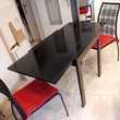 table verre et laque 2 chaises