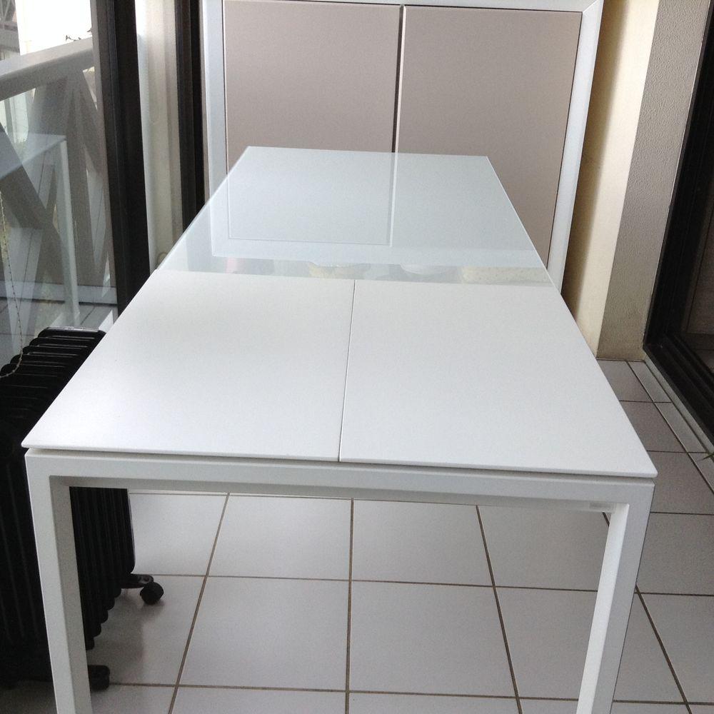 table en verre pied aluminium laqué blanc  120 Ciboure (64)