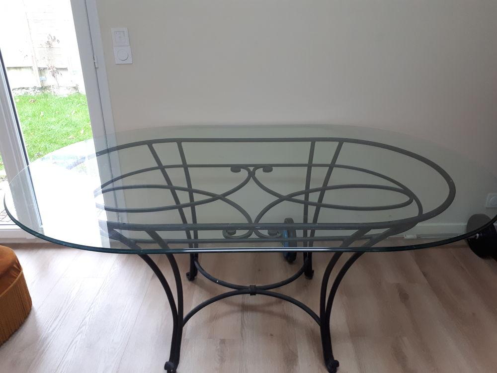 Table en verre et pied en fer forge 100 Nanterre (92)