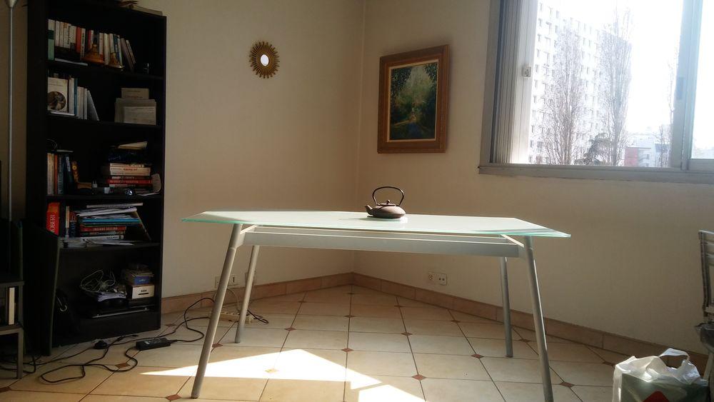 TABLE EN VERRE TRES BON ETAT 160X80X74 DEMENAGEMENT 0 Paris 12 (75)