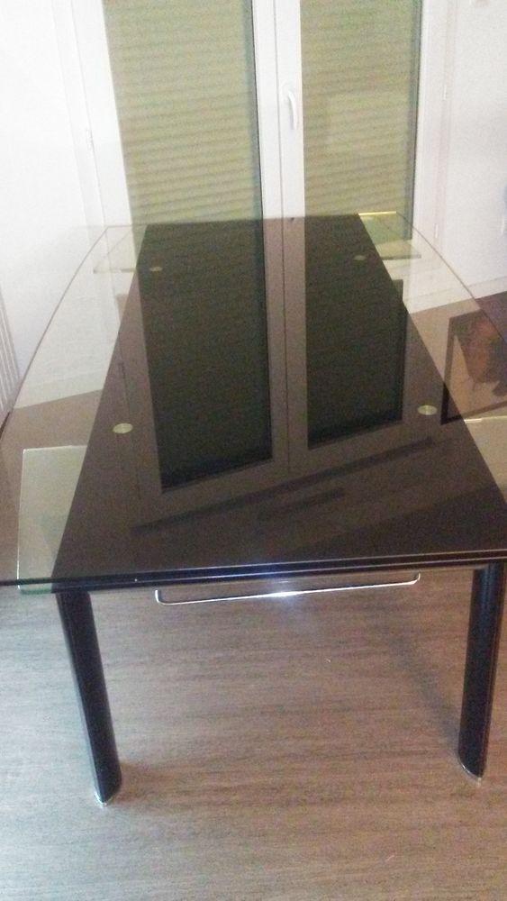 Table en verre 150 Thouaré-sur-Loire (44)