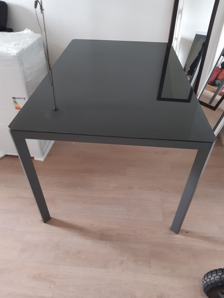 table en verre 40 Eaubonne (95)