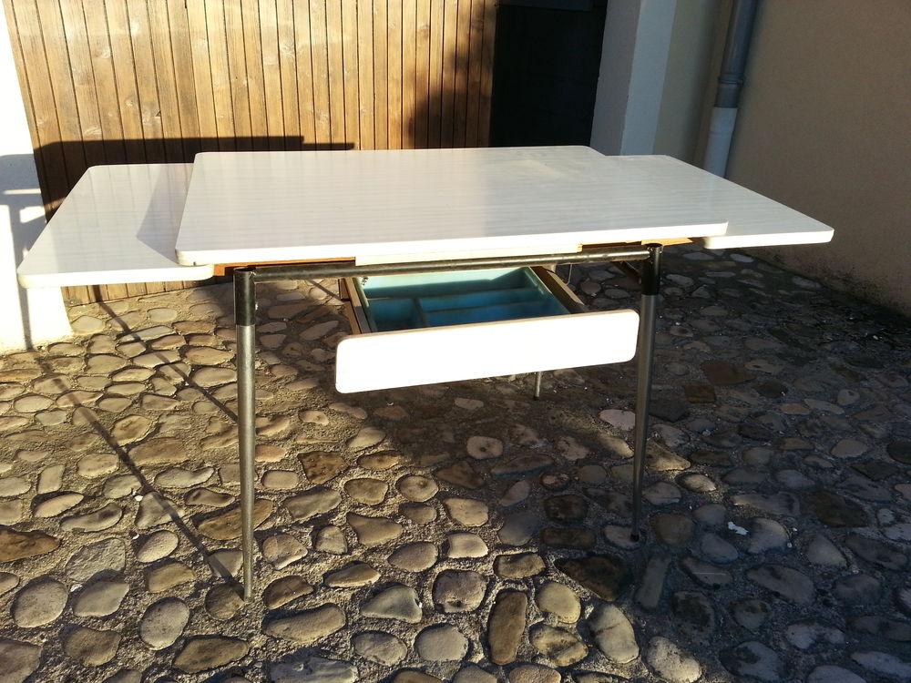 table vintage en formica beige 45 Loriol-sur-Drôme (26)