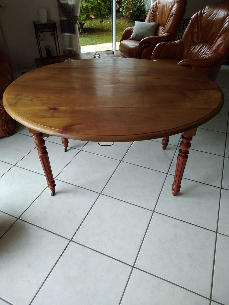 TABLE A VOLETS 140 La Roche-sur-Yon (85)